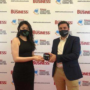 Prix d'excellence technologique pour les cartes bancaires FinTech IDEMIA